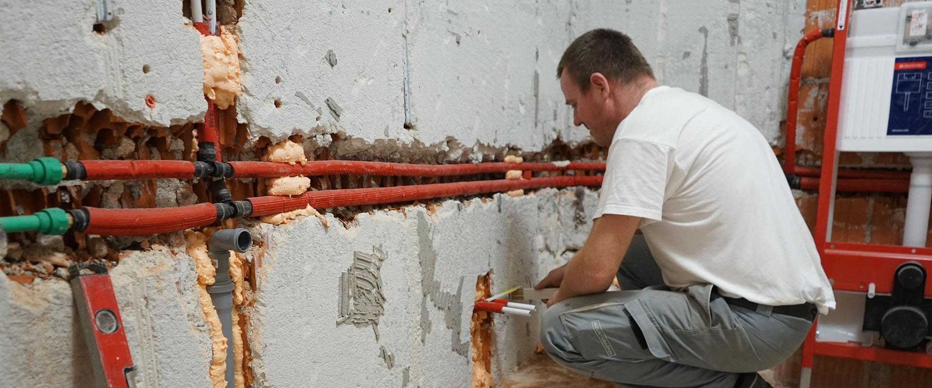 Od zamjene cijevi do montaže vodokotlića: Pogledajte kako napreduje renoviranje kupaonice